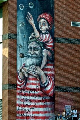 Mural von Herakut am Millerntor