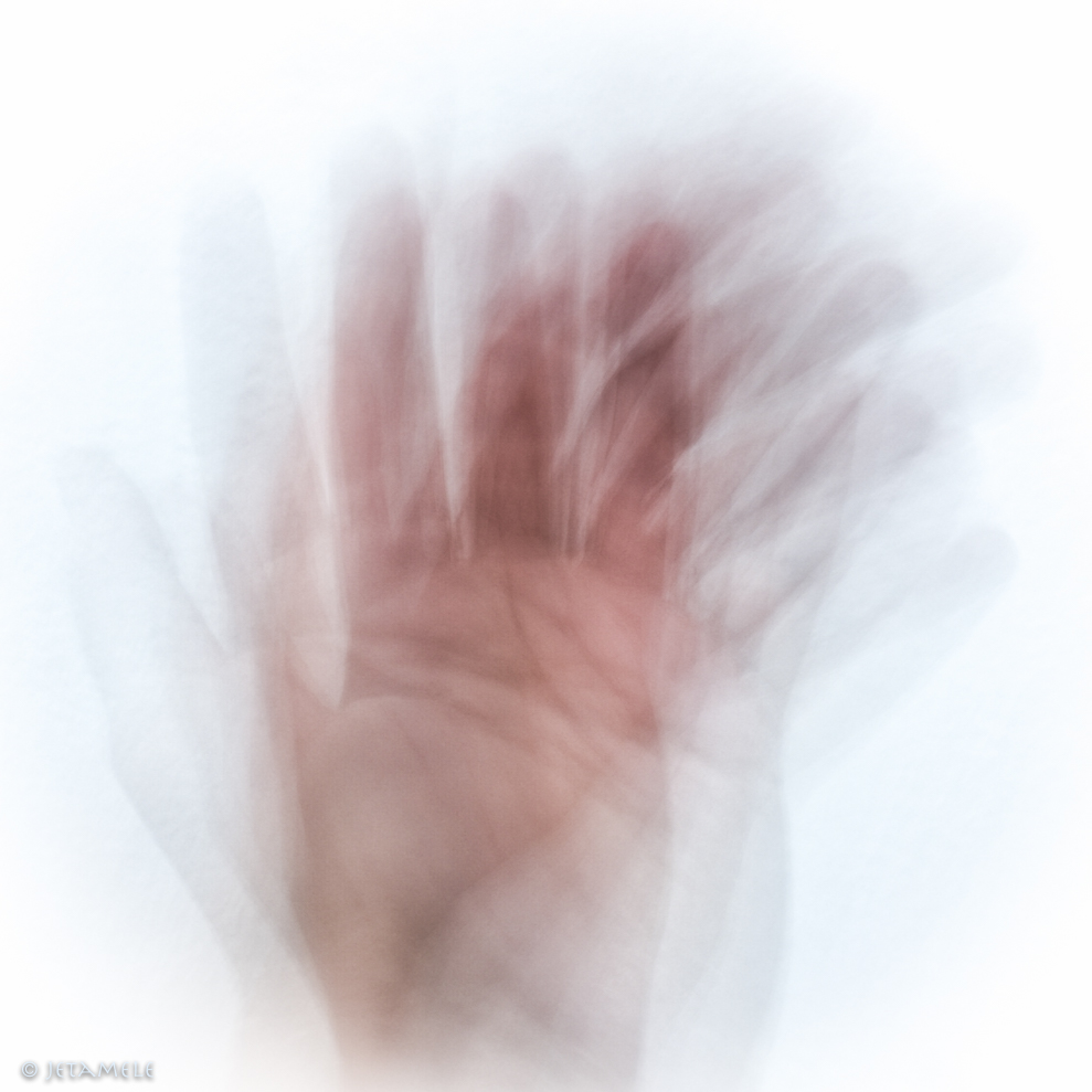 moving-hands-1