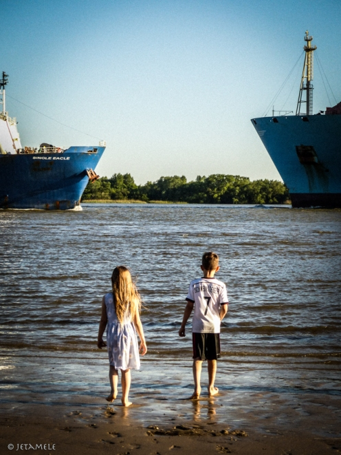 Zwerge und zwei Schiffe